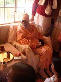 Srila BV Narayana Maharaja at the home of Prana-kisora dasa Adhikari and Campakalata didi