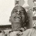 tn prabhupad laughing 500