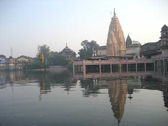 mukharavinda-temple-flooded